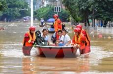 Trung Quốc triển khai hơn 7.000 binh sỹ hỗ trợ người dân vùng lũ