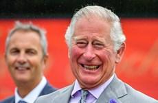 Thái tử Charles thăm xứ Wales lần đầu tiên sau khi nới lỏng phong tỏa