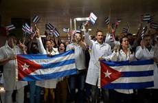 Cuba tiếp tục cử bác sỹ hỗ trợ Venezuela chống dịch COVID-19