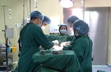 Phẫu thuật cắt thành công khối u nặng hơn 18kg cho bệnh nhân ở Kon Tum