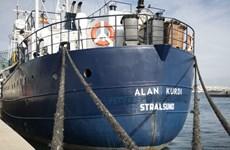 Tàu Alan Kurdi chở 125 người di cư được phép cập cảng Italy