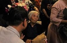 'Cây đại thụ' làng tranh lụa mở triển lãm đầu tiên khi đã gần 90 tuổi