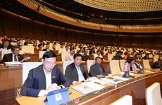 Việt Nam là điểm sáng trong phòng chống dịch và tăng trưởng kinh tế