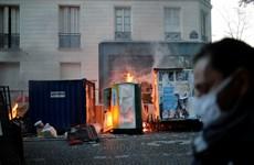 Video cảnh sát Pháp sử dụng cả hơi cay nhằm trấn áp người biểu tình