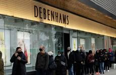 Anh: Hết phong tỏa, người dân đổ xô đến các cửa hàng đi mua sắm