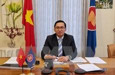 Chèo lái con thuyền ASEAN vượt qua khó khăn, thách thức