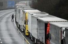 Pháp tiếp tục đóng cửa biên giới với Anh để ngăn ngừa dịch bệnh