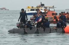 Indonesia tiếp tục tìm kiếm nạn nhân và hộp đen máy bay Sriwijaya Air