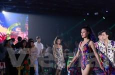 Bộ sưu tập thời trang Tropicana tái xuất tại Stars by Night Party