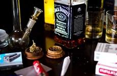 LHQ cảnh báo tình trạng lạm dụng chất gây nghiện ở người cao tuổi