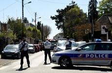 Pháp: Tấn công bằng dao tại đồn cảnh sát ở gần Paris