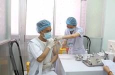 Điều chuyển 20.000 liều vaccine cho Lào Cai và 8 địa phương Tây Nam Bộ