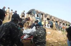 Ấn Độ: Cháy tàu hỏa gần Mumbai, nhiều người thiệt mạng