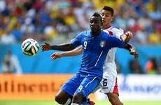 Italy sử dụng đội hình 3-5-2 của Juventus để đấu Uruguay