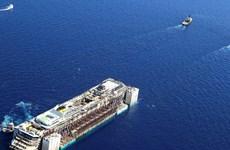 Italy thực hiện chiến dịch trục vớt siêu tàu Costa Concordia
