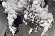 Nhiều người mắc kẹt khi núi lửa phun trào ở Nhật Bản
