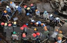 [Photo] Khẩn trương khắc phục hậu quả sập giàn giáo ở Vũng Áng