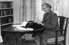 """Người hâm mộ tôn vinh """"Nữ hoàng truyện trinh thám"""" Agatha Christie"""