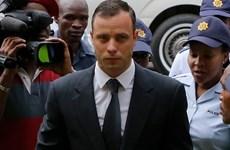 """""""Người không chân"""" Pistorius bị quản thúc tại gia sau khi ra tù"""