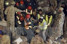 Sập nhà máy tại Pakistan, gần 60 người thương vong, 150 người mắc kẹt