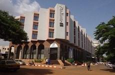 [Video] Vụ tấn công khách sạn ở Mali do con tin Trung Quốc quay