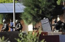 [Video] Đặc nhiệm Mali bắt đầu tấn công vào khách sạn Radisson Blu