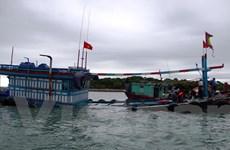 Tàu bị chìm trên biển, 12 thuyền viên được cứu nạn kịp thời
