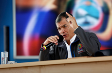 """Ecuador cáo buộc công ty dầu khí Mỹ """"vòi"""" thêm tiền bồi thường"""