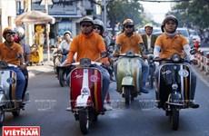 Tour du lịch khám phá thành phố Hồ Chí Minh bằng xe Vespa