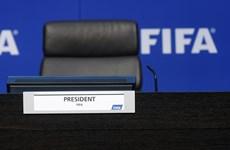 Các ứng viên tranh cử Chủ tịch FIFA tranh cãi vấn đề ngân sách