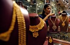Giá vàng châu Á tăng nhẹ do tác động từ dịch COVID-19