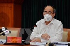Bí thư Thành ủy TP. HCM thăm, động viên các đơn vị chống dịch COVID-19