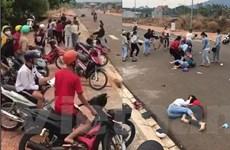 Bình Phước: Xác minh clip hai nhóm nữ sinh đánh nhau ngay cổng trường