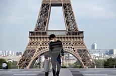 Pháp để ngỏ việc tái áp đặt phong tỏa, bắt đeo khẩu trang trên máy bay
