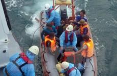[Video] Cứu 13 ngư dân bị chìm tàu trên vùng biển Đà Nẵng