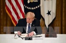 [Video] Tổng thống Mỹ ký sắc lệnh kiểm soát các công ty truyền thông