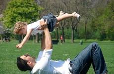 Các ông bố chăm lo cho gia đình nhiều hơn trong thời COVID-19