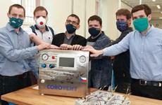 Chế tạo máy trợ thở - Tấm lòng của các tình nguyện viên tại Séc