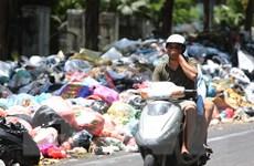 [Video] Nội thành Hà Nội đang tồn ứ hơn 9.000 tấn rác