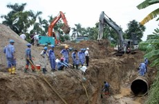 Hà Nội tạm ngừng cấp nước do đường ống nước sạch Sông Đà gặp sự cố