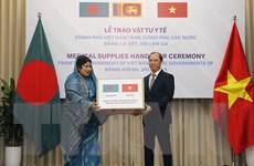 Trao vật tư y tế hỗ trợ Bangladesh và Sri Lanka phòng, chống dịch
