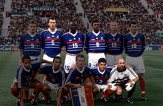 HLV Wenger dẫn dắt Platini, Barthez, Desailly giao hữu với Việt Nam
