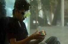 [Video] Thanh niên Ấn Độ lập kỷ lục thế giới về xoay rubik dưới nước