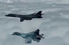 Máy bay chiến đấu Nga ngăn máy bay ném bom Mỹ vào không phận