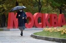 Nga kéo dài kỳ nghỉ tháng 10 của học sinh, Đức thắt chặt phòng dịch