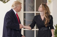 Tổng thống Trump và vợ tự cách ly do tiếp xúc cố vấn nhiễm COVID-19