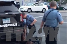Mỹ: Cựu cảnh sát bị buộc tội giết George Floyd được bảo lãnh tại ngoại