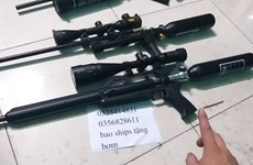 Cướp cò khi khoe súng tự chế mua trên mạng, một người tử vong