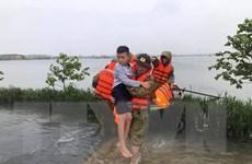 Huy động tối đa nguồn lực để cứu trợ người dân trong vùng lũ Hà Tĩnh