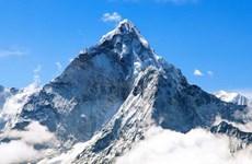 Trung Quốc và Nepal thống nhất độ cao mới của đỉnh Everest